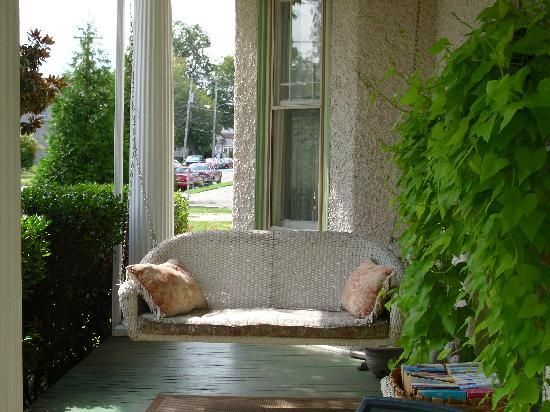 Magnolia House Inn: My new novel and I spent some quality time with the porch swing!
