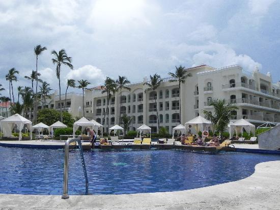 Iberostar Grand Hotel Bavaro: pool and cabanas
