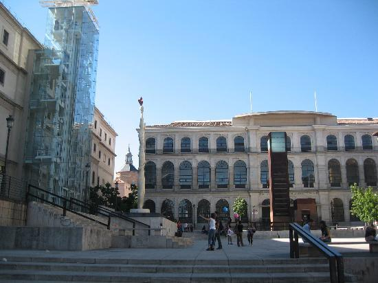 มาดริด, สเปน: reina sofia museum