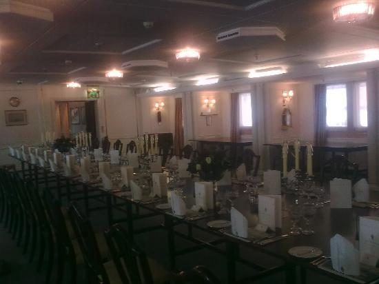 เรือพระที่นั่งบริทานเนีย: Dining Room