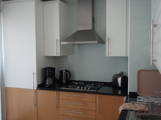 Real Marina Residence: kitchen