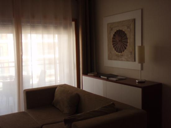 Real Marina Residence: living room