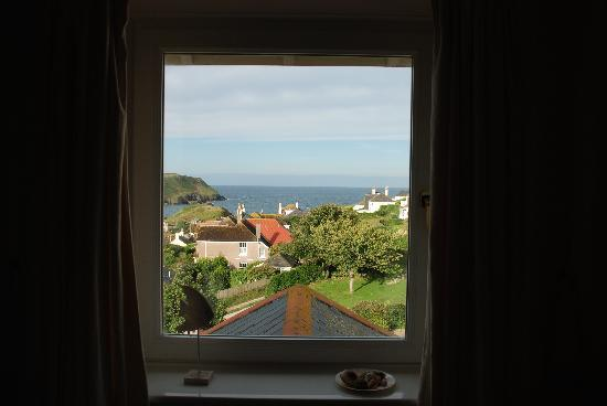 Sand Pebbles Hotel: Room 11 window