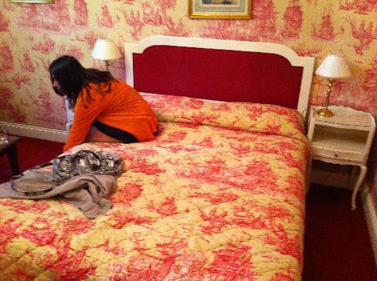 Chateau d'Isenbourg: notre lit taille XS, + petit pour 2 ça n'existe pas