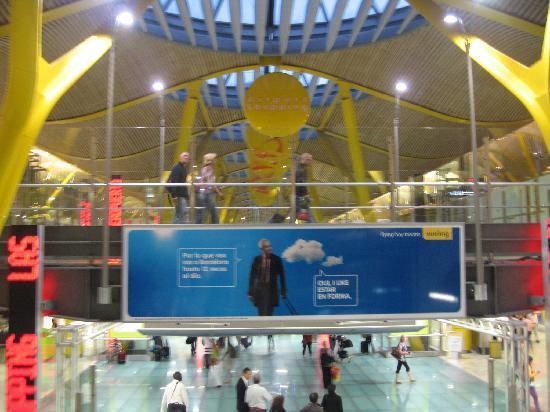 มาดริด, สเปน: airport - awesome