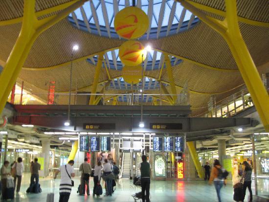 มาดริด, สเปน: airport, amazing design