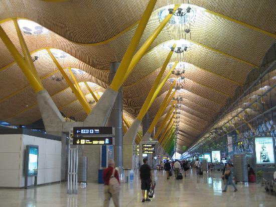มาดริด, สเปน: huge and modern madrid airport