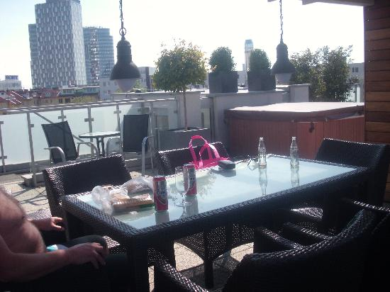 Mama's Design & Boutique Hotel: roof terrace where we had lunch.