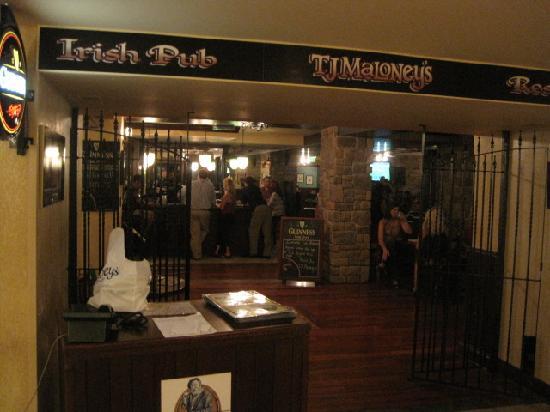 Merrillville, Indiana: Irish pub run by Irishman