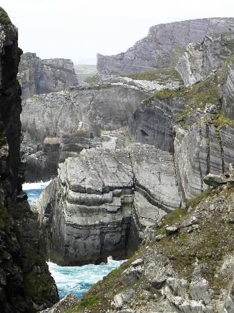 Mizen Head Visitor Centre: Cliffs, Rocks, Atlantic Ocean!!