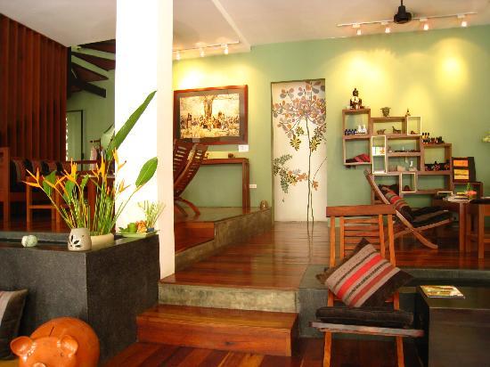 Frangipani Spa: 綺麗な店内