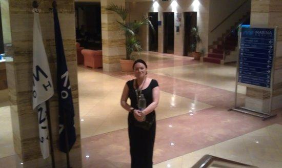 AluaSun Torrenova: the missus in the foyer