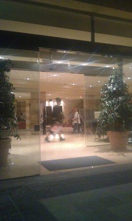 AluaSun Torrenova: lovely entrance