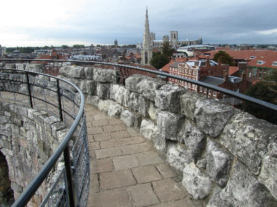Clifford's Tower: The perimeter walk