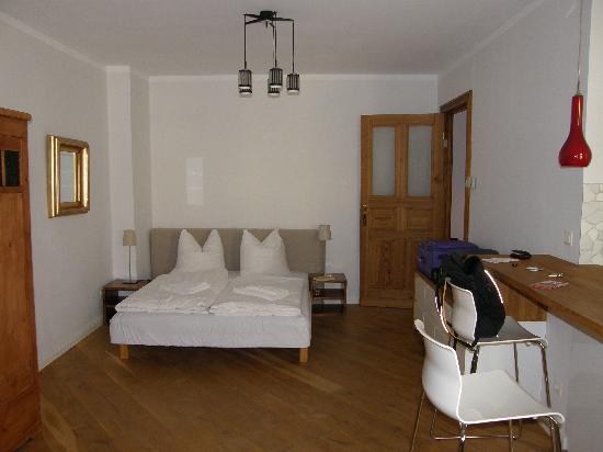 Brilliant Apartments: habitación