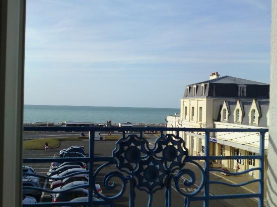 Hotel la Villa Marine: Vue de la chambre