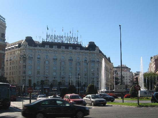 มาดริด, สเปน: palace hotel in neptuno square