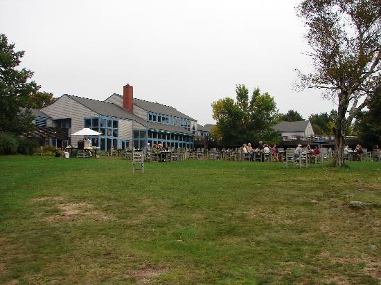 Jordan Pond House: outdoor seating at Jordon's pond