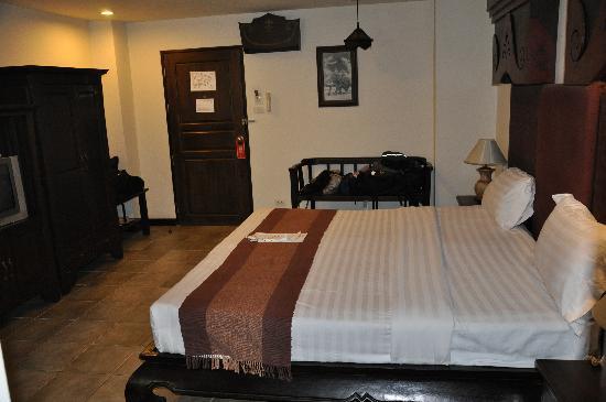 โรงแรมระมิง ลอดจ์: room