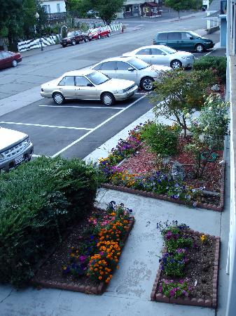 Dunsmuir Inn & Suites Hotel: Motel exterior