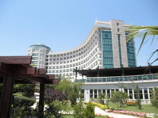 Sherwood Breezes Resort: View of hotel