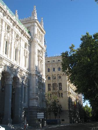 มาดริด, สเปน: city hall and armey headquarter
