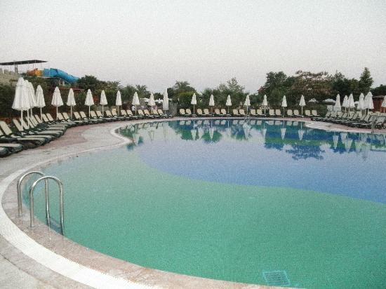 Sherwood Breezes Resort: One of the many large pools