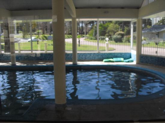 Parque Hotel Jean Clevers : INSIDE SWIMMING POOL