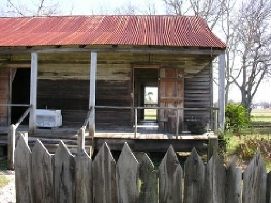 Laura Plantation: Louisiana's Creole Heritage Site: Former slave quarters