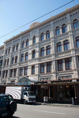 โรงแรมซีคิวคอมฟอร์ทเวลลิงตัน: The hotel building