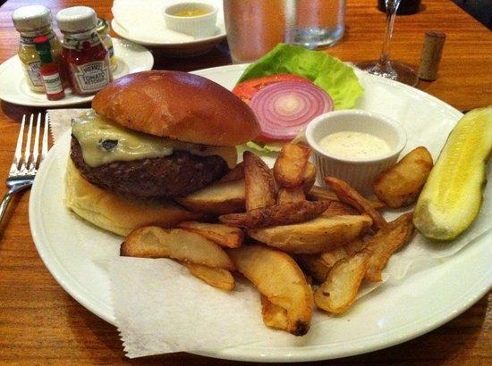 Wall & Water: my ww burger (OMG)