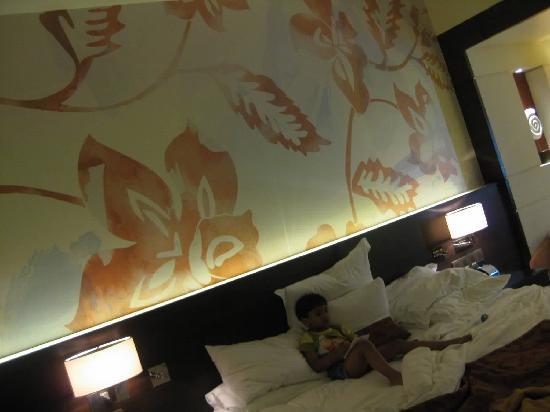 กัวมาริออทรีสอร์ทแอนด์สปา: INSIDE ROOM
