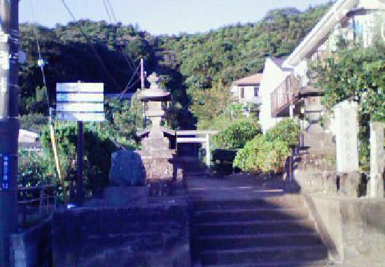 Hakusan Shrine: 石段の先に社殿があります