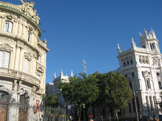 มาดริด, สเปน: americas house and city hall in cibeles square