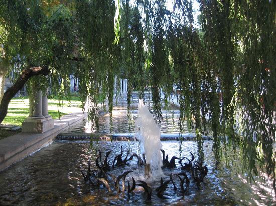 มาดริด, สเปน: nice fountain in paseo de recoletos-recoletos av
