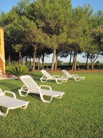 Sole del Mediterraneo: zona relax prati