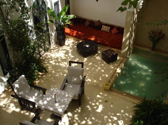 Riad Davia: charming indoor patio