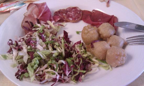 Chiuro, Italia: Antipasto e Sciatt