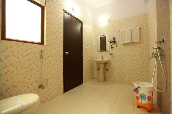 โฮเต็ล แอร์พอร์ท ซิตี้: Bathroom