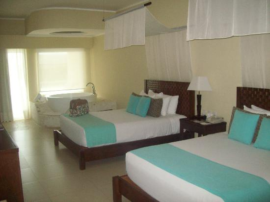 Azul Beach Resort Sensatori Mexico: Standrad Room