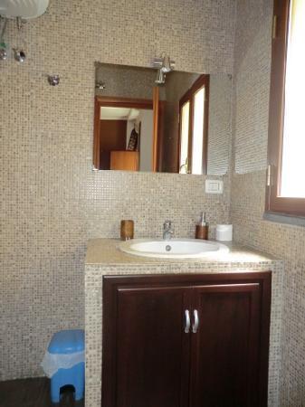 Bed & Breakfast Catania Globetrotter: bath1