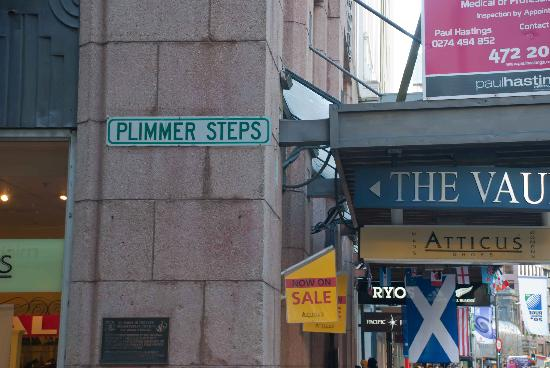 Plimmer Steps: Street sign