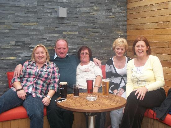 Castle Lodge Bed & Breakfast: a quick drink in duffys