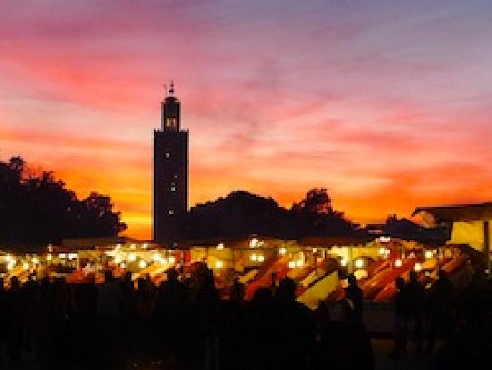 Travel Exploration Morocco Private Tours: Sunset in Djemaa El Fna Square, Marrakech