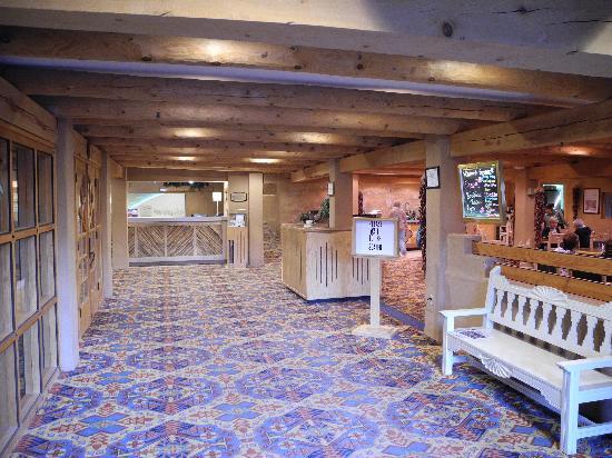 Holiday Inn Canyon de Chelly: Lobby - internal