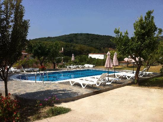 Apartments & Studios Pateras: Swimming pool