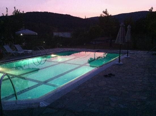 Apartments & Studios Pateras: Night view