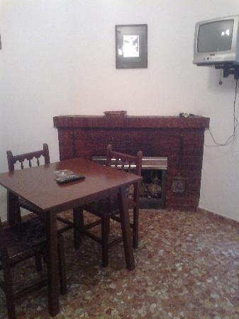 Hostal Rural Venta La Vega: habitaciones con chimenea
