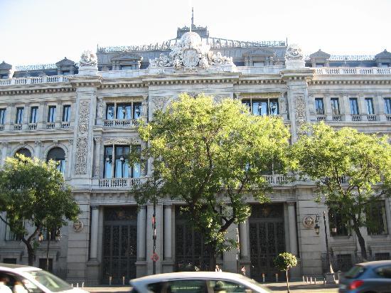 มาดริด, สเปน: bank of spain left front