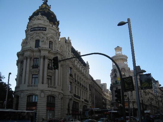 มาดริด, สเปน: gran via, metropolis building